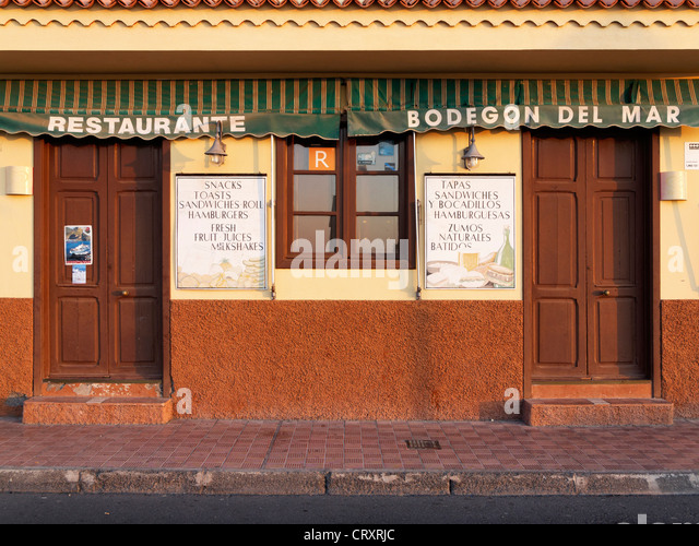 Spanien, La Gomera, Blick von Restaurant Bodegón del Mar Stockbild