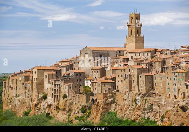 Pitigliano, Toskana - Blick auf Altstadt Stockbild