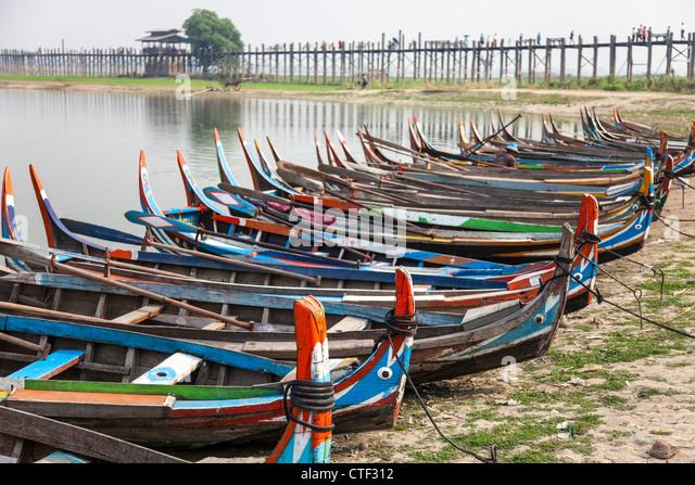 Reihe von Boot taxis am Amarapura, Myanmar Stockbild