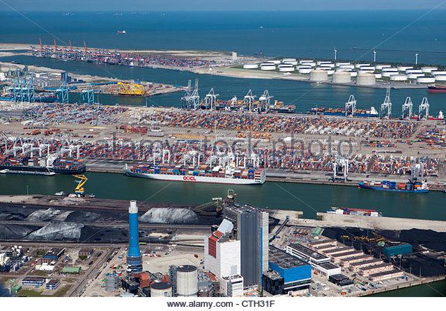 Der Niederlande, Rotterdam, Port. Container, Erz und Öl-Lagerung. Luft. Stockbild