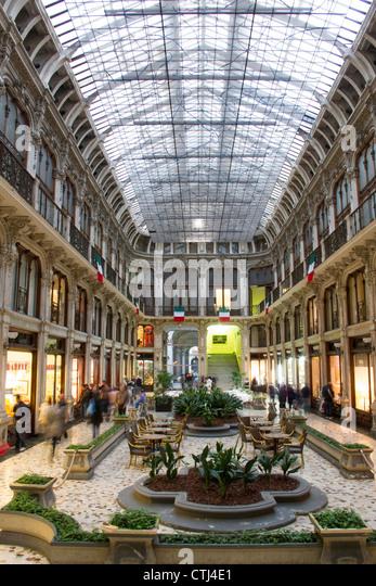 Shopping Passage, alten Stadt Zentrum von Turin Piemont, Italien Stockbild