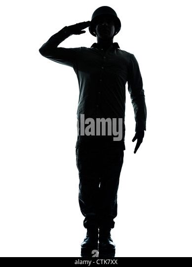 einem kaukasischen Armee Soldat Armee Soldat Mann grüßen auf Studio isoliert auf weißem Hintergrund Stockbild