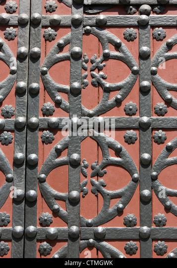 Barcelona, Spanien. Kirche Santa Maria del Mar. Detail der Haupttür. Stockbild