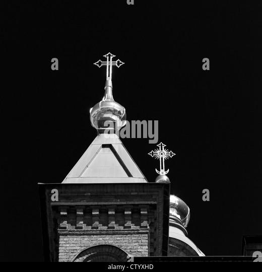 Reich verzierte Kreuze auf Kirchtürmen Stockbild