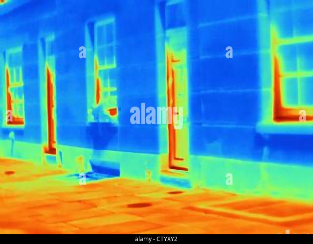 Wärmebild von Türen und Fenstern Stockbild