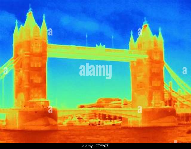 Wärmebild der Tower Bridge Stockbild