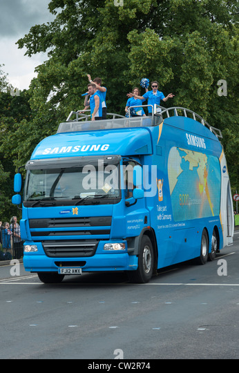 Samsung London 2012 Olympics sponsor Fahrzeug in den Fackellauf in Kings Lynn Norfolk UK Stockbild