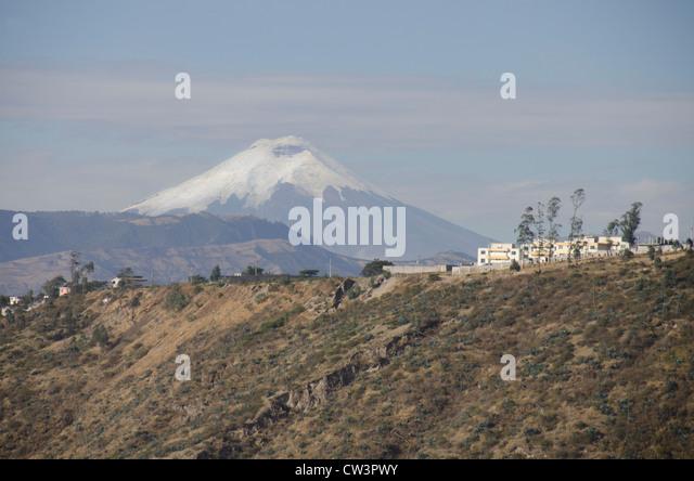Ecuador, Quito-Bereich. Schneebedeckten Vulkan Cotopaxi liegt im ecuadorianischen Hochland zwischen Quito & Stockbild