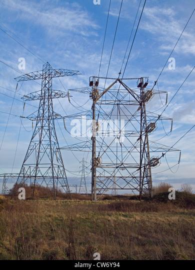 Pylonen-Stromkabel Stockbild