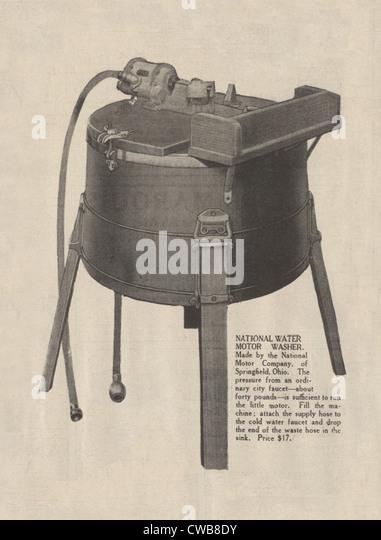 Waschmaschine. Eine frühe elektrische Waschmaschine Werbung, 1916 Stockbild
