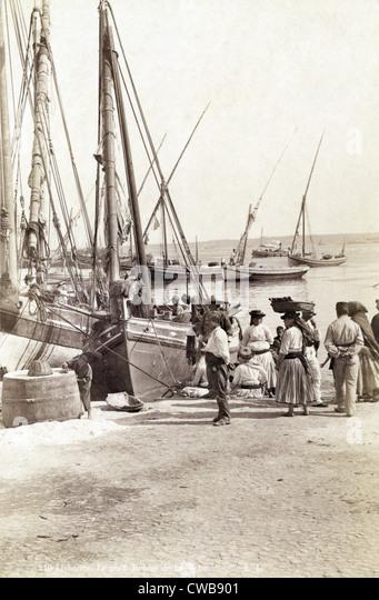 Angelboote/Fischerboote in Lissabon, Portugal, circa Ende 1800 s. Stockbild