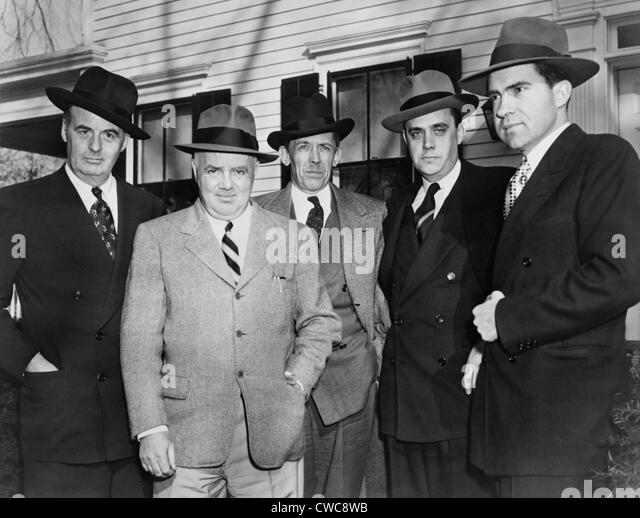 Mitglieder des House Un-American Activities Committee HUAC im Jahr 1948. L R Rep Richard B. Vail Rep John Parnell Stockbild