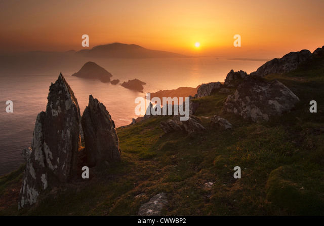 Sonnenuntergang über ländliche Felsformationen Stockbild