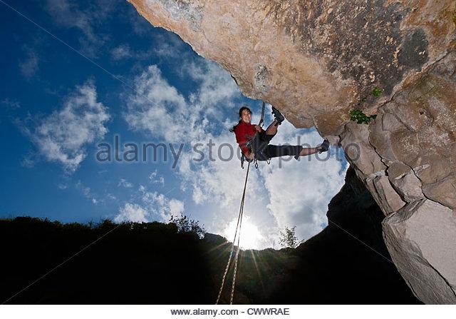Kletterer Skalierung Felswand Stockbild