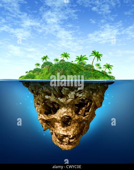 Versteckte Risiken und falsche Werbekonzept mit einer wunderschönen tropischen Insel auf dem Meer als natürliche Stockbild