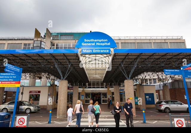 Außenseite der Haupteingang zu Southampton General Hospital Stockbild