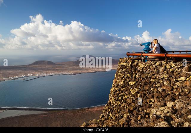 Blick auf Isla Graciosa, Mirador Del Rio, Lanzarote, Kanarische Inseln, Spanien Stockbild