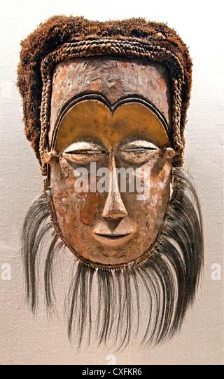 Maske des 19. Jahrhunderts demokratische Republik Kongo Kasai Fluß Leele Völker Holz Bast Fell Pigment Stockbild