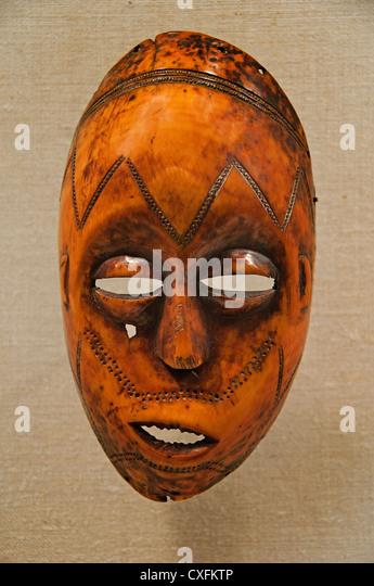 Maske Bwami Lukungu des 19. Jahrhunderts demokratische Republik des Kongo Shabundu Lega Völker Elfenbein 21 Stockbild