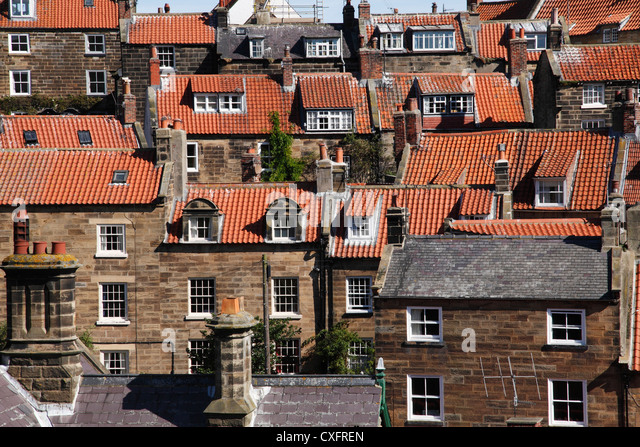 Gekachelte Dächer der Häuser in North Yorkshire, England, Vereinigtes Königreich Stockbild