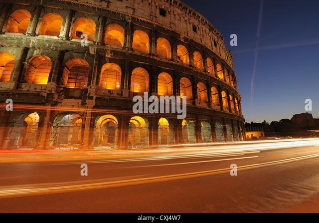 Europa, Italien, Rom, Blick auf Kolosseum bei Nacht Stockbild