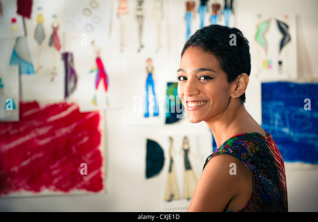 Zuversichtlich, Unternehmer, Porträt von glücklich hispanische junge Frau arbeitete als Modedesignerin Stockbild