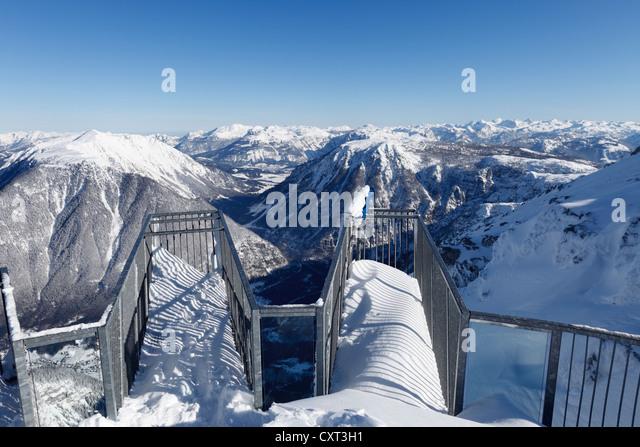 Five Fingers Aussichtsplattform, mit Blick auf das Welterbe Blick vom Krippenstein Mountain über Sarstein Berg Stockbild