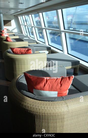 Celebrity Reflection Kreuzfahrtschiff, im Oktober 2012 ins Leben gerufen.  Eine Aussichtslounge. Stockbild