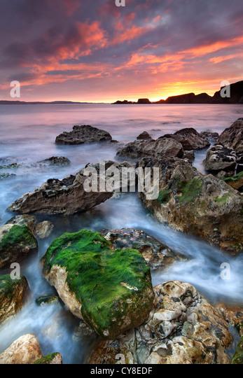 Larrybane auf der Küste von Antrim bei Sonnenaufgang eingefangen. Nordirland. Stockbild