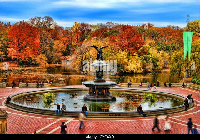 HDR-Bild von Bethesda Terrasse im Herbst, Central Park, Manhattan, New York City. Stockbild