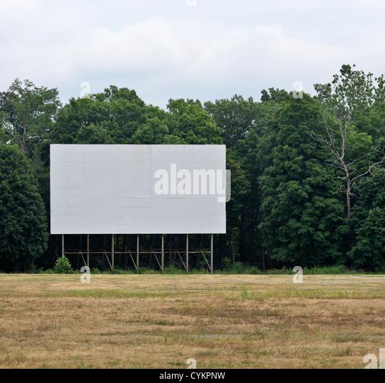 Leere weiße Zeichen im Feld Stockbild
