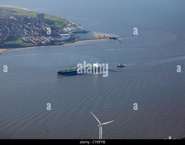 Öltanker, die Eingabe an der Mündung des Flusses Mersey, North West England, Großbritannien mit der Stockbild