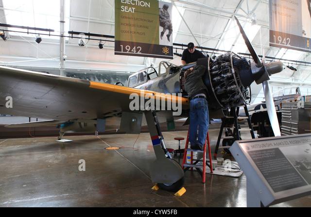 Geplante Wartungsarbeiten auf einem Mitsubishi A6M3-22 Reisen in die Flying Heritage Collection im Boeing Werk Mechanik Stockbild