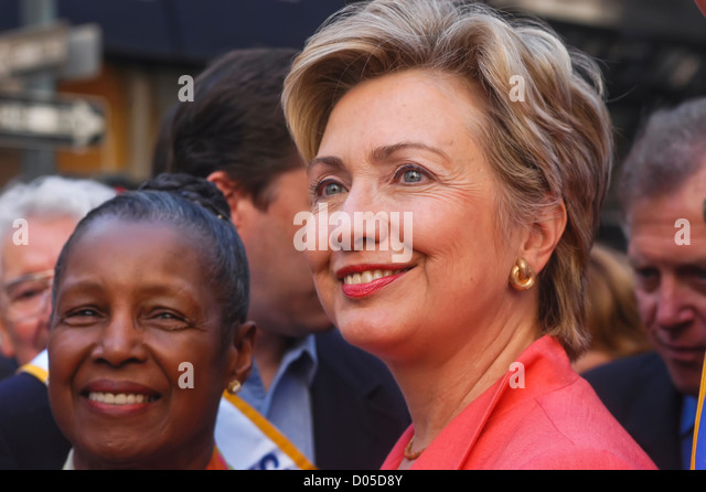 New York, NY - 6 Sept 03 - Senatorin Hillary Clinton, bei der der Labor Day Parade. © Stacy Walsh Rosenstock Stockbild