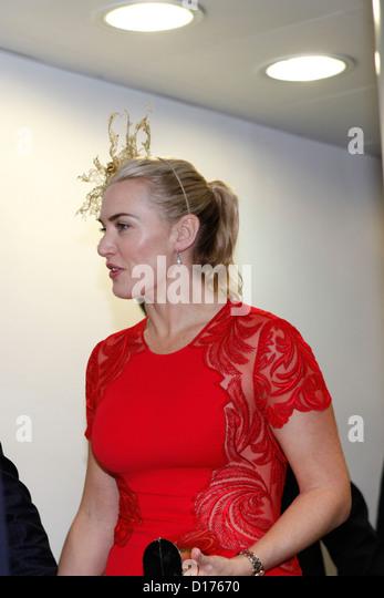 09.12.2012 - Hongkong; Kate Winslet (britische Schauspielerin) kommt bei den Rennen. Bildnachweis: Lajos-Eric Balogh/turfstock.com Stockbild