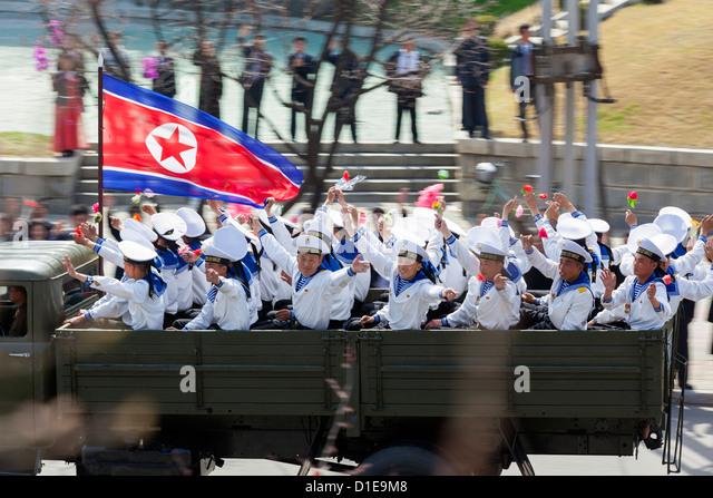 Militärparade während der Feierlichkeiten auf dem 100. Jahrestag der Geburt des Präsidenten Kim Il Stockbild