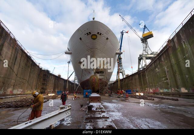 Refit von P & O Cruises Oceana in Blohm Voss Werft in Hamburg, Deutschland 05-20. Dezember 2012 Stockbild