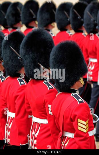 Soldaten beim Trooping die Farbe 2012, die Königin offizielle Birthday Parade, Horse Guards, Whitehall, London, Stockbild