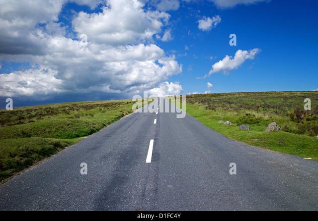 Straße in Dartmoor, Devon, England, Vereinigtes Königreich, Europa Stockbild