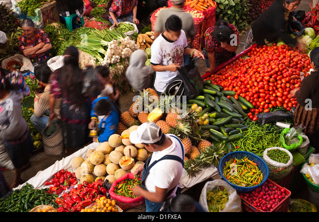 Indoor produzieren Markt, Chichicastenango, Guatemala, Mittelamerika Stockbild