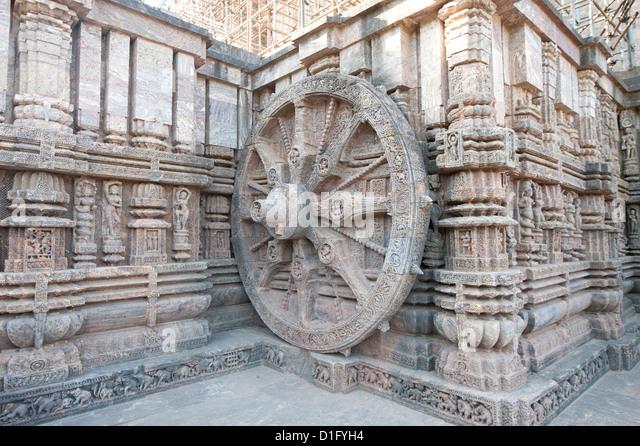 Geschnitzte Wagen Rad an der Wand der Konarak Sonnentempel gebaut als der Wagen von Surya, der Sonnengott, Konarak, Stockbild