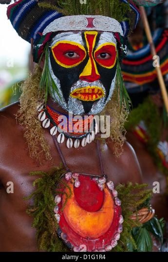 Lokale Stämme feiert die traditionelle Sing Sing in Enga in den Highlands, Papua-Neu-Guinea, Melanesien Stockbild