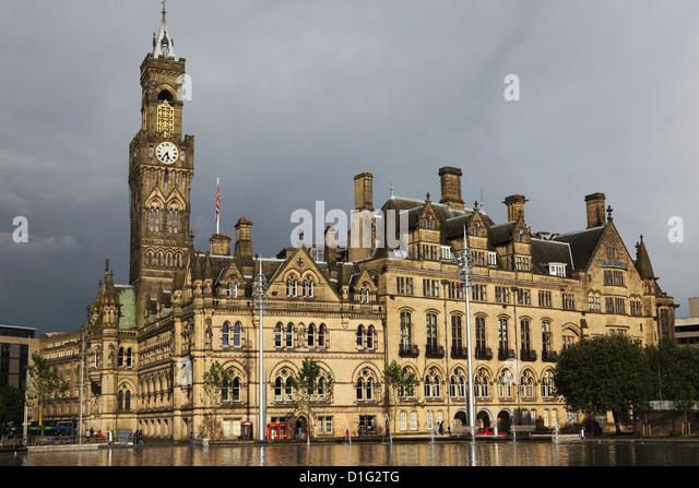 Bradford City Hall, einer venezianischen gotische Fassade an einem bewölkten Tag, Bradford, West Yorkshire, Stockbild