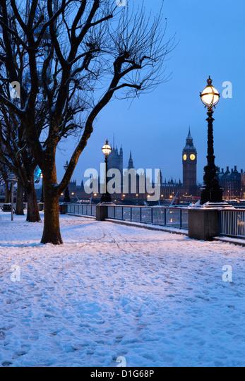 Houses of Parliament und South Bank in London, England, Vereinigtes Königreich, Winter Europa Stockbild
