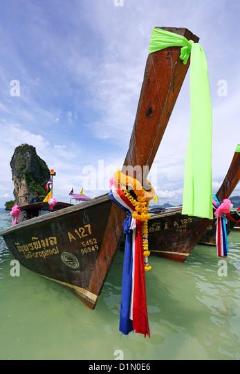 Traditionelle Thai Longtail-Boot, Poda Beach, Krabi, Phuket, Thailand Stockbild