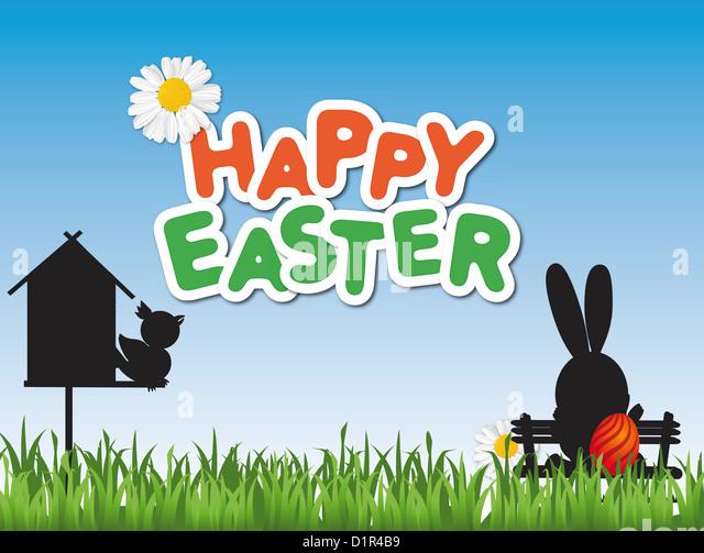 Glücklich Osterkarte mit ein Vogelhaus und ein Osterhase auf einer Parkbank Stockbild