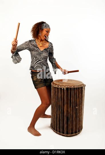 Festival afrikanischer Trommler. Sangbar, Doum Doum Trommel. Stockbild