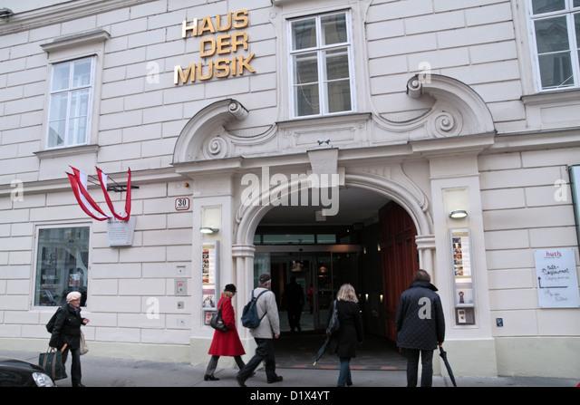 Der Eingang zum Haus der Musik (House of Music) in Wien, Österreich. Stockbild