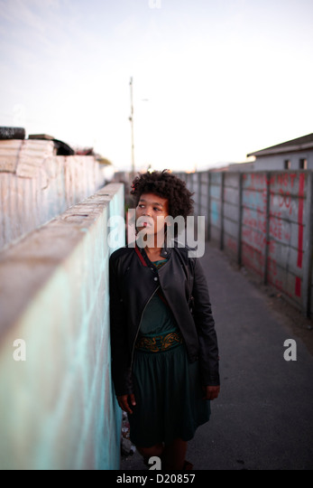 Künstler Khanyi Mbongwa in Guguletu Township, Cape Flats, Cape Town, Südafrika, Afrika Stockbild