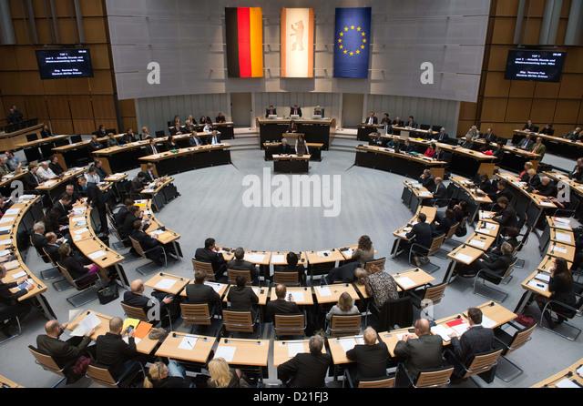 Eine Sondersitzung für die erneute Verzögerung des neuen Flughafen Berlin (BER) wird an das Abgeordnetenhaus Stockbild